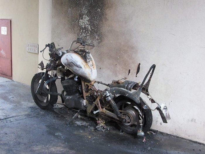 Izgorio motocikl, uzrok požara nepoznat