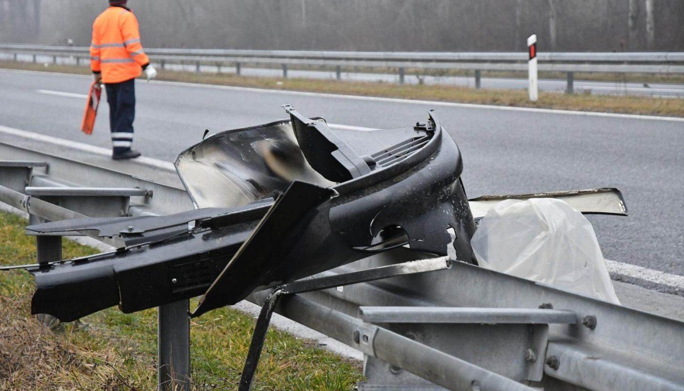 NESREĆA NA A1 Šleper naletio na kombi, četvero mrtvih