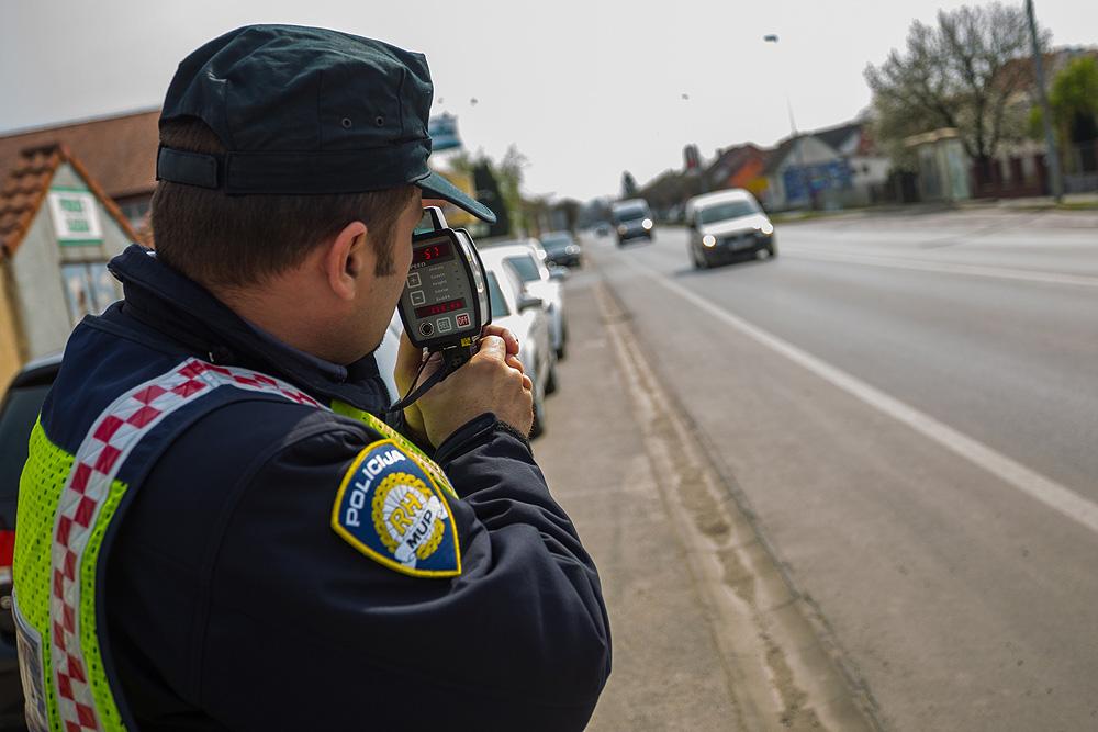 AKCIJA VIKEND Policija kontrolirala 293 vozila i vozača, a poduzeli  72 represivne mjere