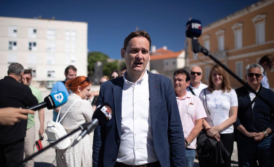 Okupile se sve političke stranke i nezavisni pojedinci u znak potpore Marku Vučetiću